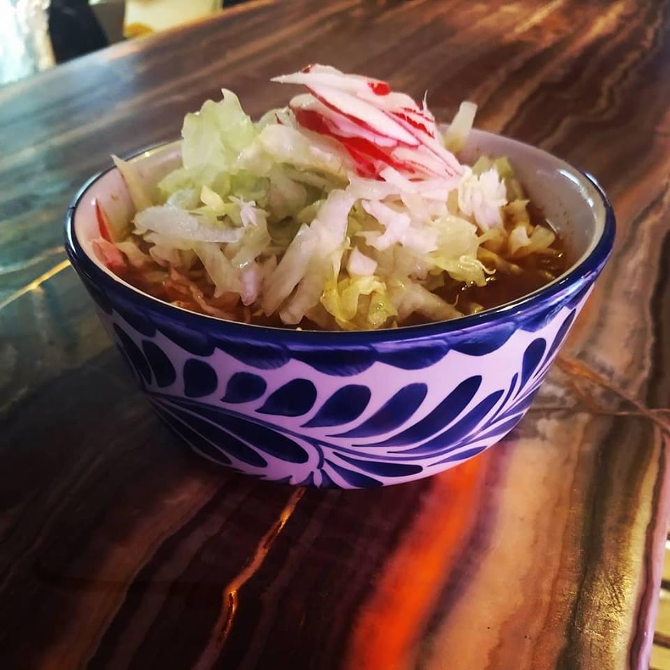 plato de pozole de pozolería Chapala
